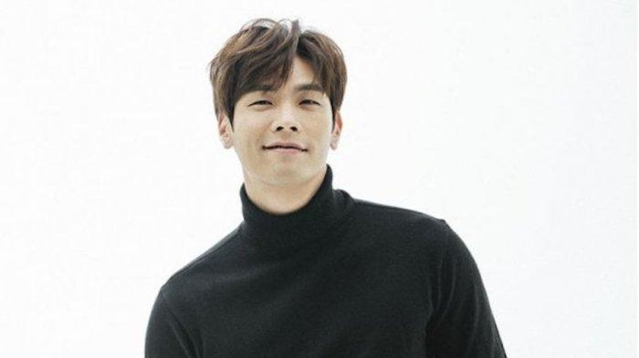 Profil Lengkap Choi Daniel Cameo dalam Drama It's Okay to Not Be Okay, Jadi Fans Go Moon Young